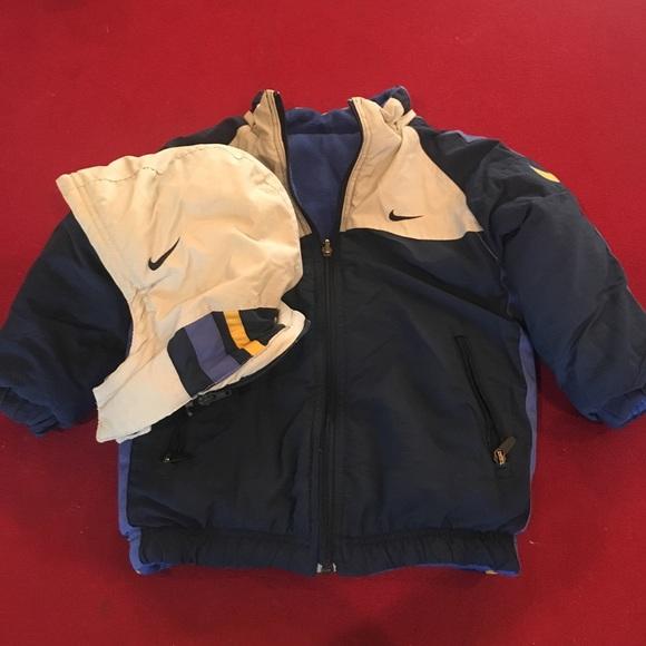 443279bed1be Boy s Navy   Grey Nike Winter Coat Size 5 w  Hood.  M 5b76d821e9ec890990881b70